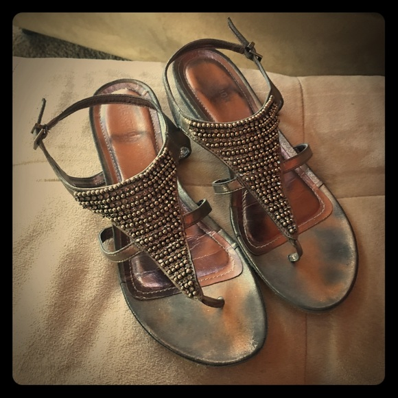 68d26c1f3db Kenneth Cole Reaction Beaded Sandals